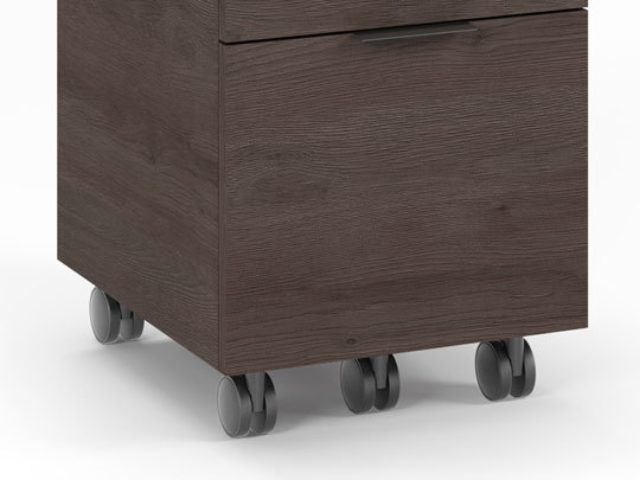 The 6907 pedestal rests on locking casters ensuring that it is only on the move when you want it to be.